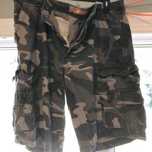 Lee camo cargo shorts